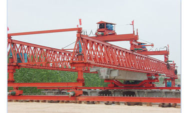 Chiny Customizable span JQG200t-55m Bridge Launcher/ Beam Launcher Girder Crane fabryka